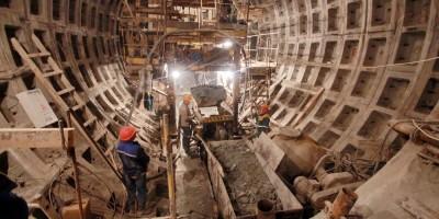 Станция метро Театральная, строительство тоннеля
