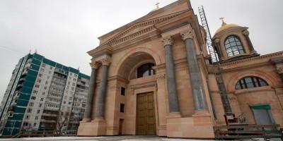Планерная улица, 39, собор Сошествия Святого Духа на Апостолов, вход
