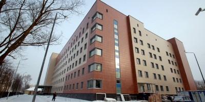 Лечебно-диагностический корпус хирургического профиля городской больницы 33, Колпино, Павловская улица, дом 16, строение 2
