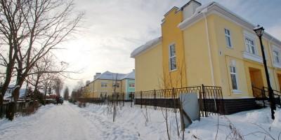Пушкин, жилые дома на Учхозной улице