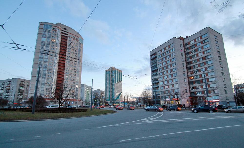 Перекресток проспекта Ветеранов и Дачного