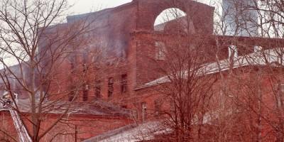 Фабрика Торнтон на Октябрьской набережной, 50, после пожара