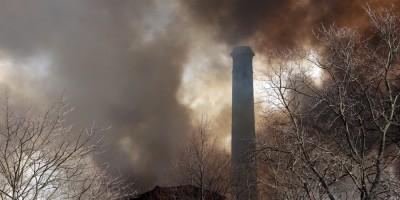 Октябрьская набережная, 50, пожар на фабрике Торнтон, труба