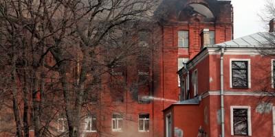 Октябрьская набережная, 50, пожар на фабрике Торнтон, уцелевший фрагмент
