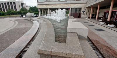 Площадь Победы, фонтан