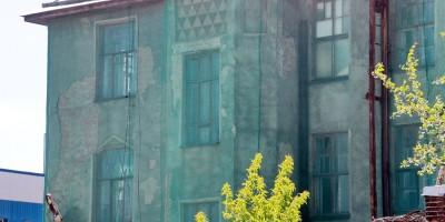 Кожевенная линия, дом 39, корпус 9, дом священника церкви Милующей Божией Матери, фасад