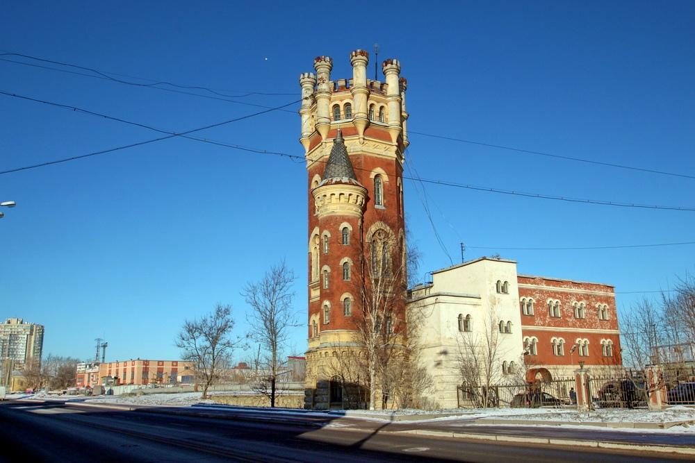 Водонапорная башня Обуховского завода на Октябрьской набережной