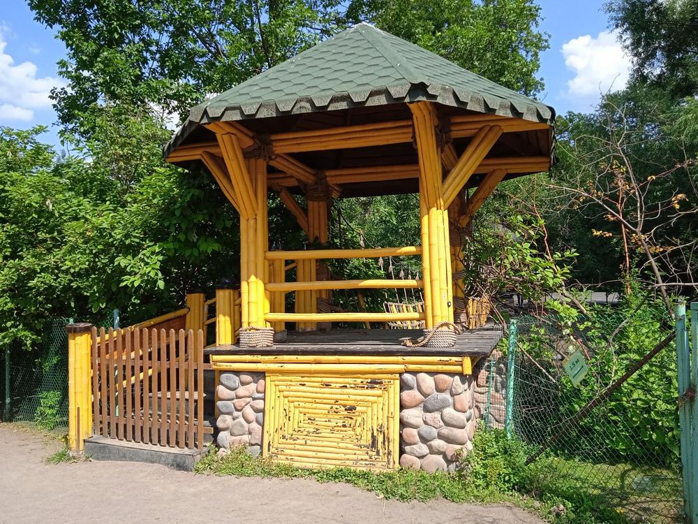 Ленинградский зоопарк, подвесной мост, павильон