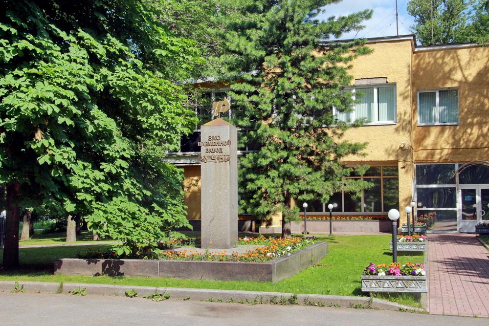 Пискаревский проспект, 144, постамент без Ленина
