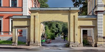 Улица Калинина, 4, арка